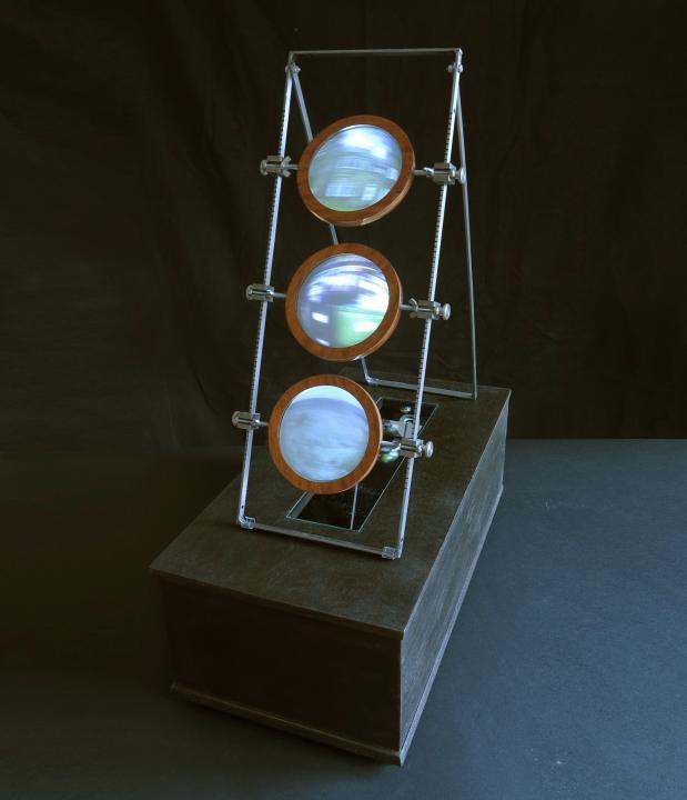 Sculpture projector